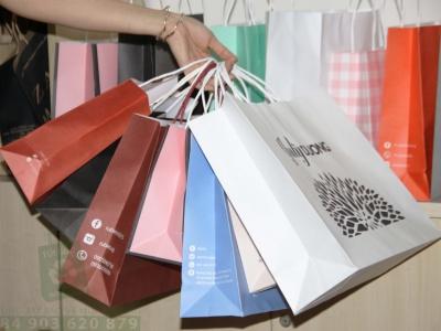 Túi giấy mang đến cơ hội tiếp cận khách hàng cho sản phẩm và dịch vụ của bạn
